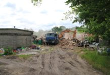 Budynek komunalny w opłakanym stanie. Zaczęli rozbiórkę