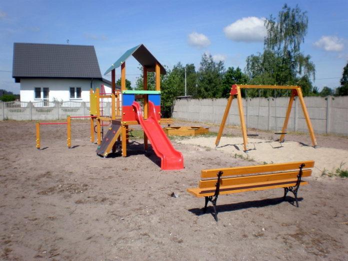 W Kątach powstał nowy plac zabaw