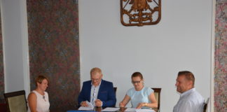 Umowa na modernizację budynku przy ul. Księdza Sajny 7 podpisana