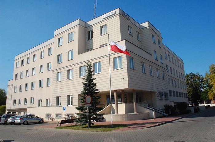 Policjant z Piaseczna odpowie za przyjęcie łapówki
