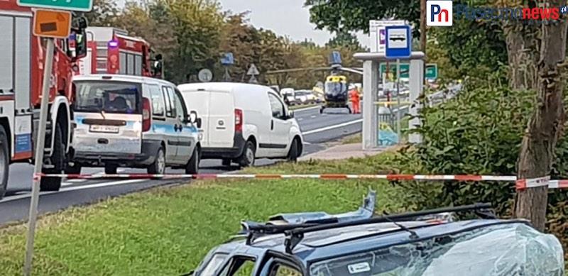 Aleja Krakowska w stronę Warszawy całkowicie zamknięta! Śmigłowiec lądował na jezdni