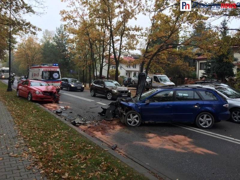 Wypadek na skrzyżowaniu. Czy kierowca zbiegł?