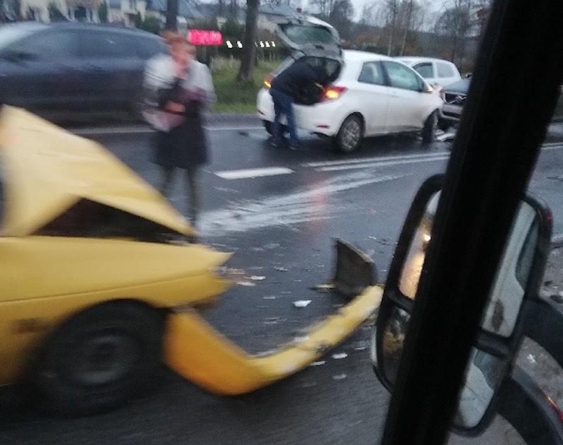Wypadek na drodze krajowej 79. Utrudnienia w ruchu