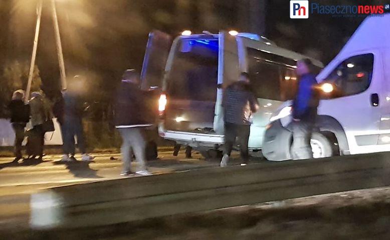 5 pojazdów, 25 osób, 6 poszkodowanych! Droga krajowa nr 7 wciąż zablokowana