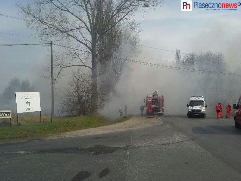 Droga krajowa nr 79 zamknięta! Ulica utonęła w kłębach dymu [AKTUALIZACJA]