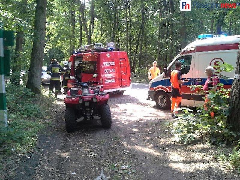 Kobietę odnaleziono w lesie. Trafi do szpitala