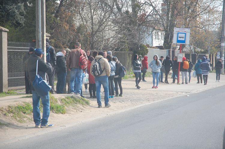 Ukraińcy nie będą już stali pod starą mleczarnią! Gmina wskaże im nową lokalizację