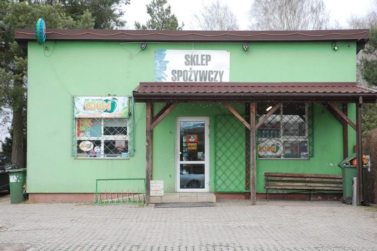 Napad na sklep w Woli Gołkowskiej. Policja szuka świadków