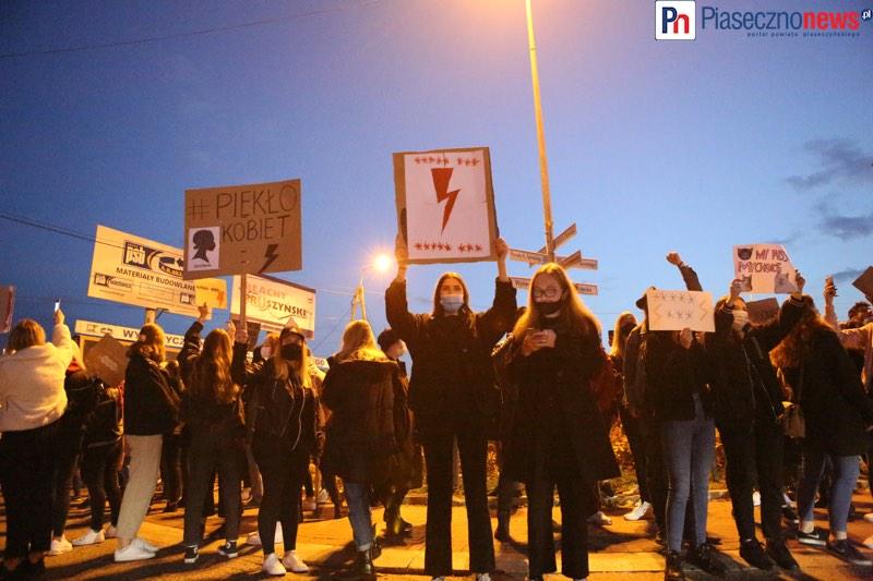 Rewolucja jest kobietą! Takiego protestu jak w Górze Kalwarii jeszcze nie było