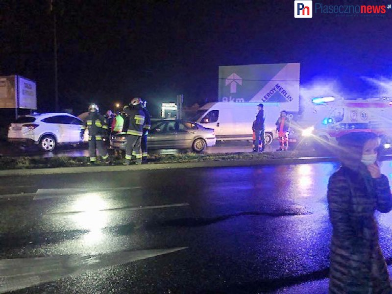 Zderzenie trzech aut! Droga do Warszawy zablokowana w obu kierunkach