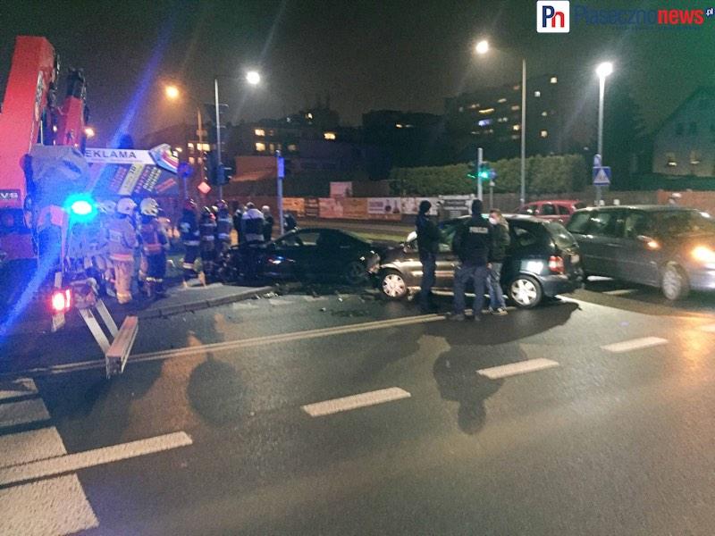Wypadek na skrzyżowaniu ul. Jana Pawła II i Powstańców Warszawy [AKTUALIZACJA]