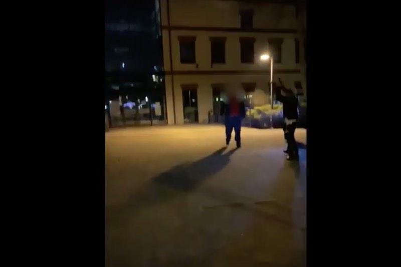 Policjant użył broni! Zobacz film [UWAGA! NIECENZURALNE TREŚCI]