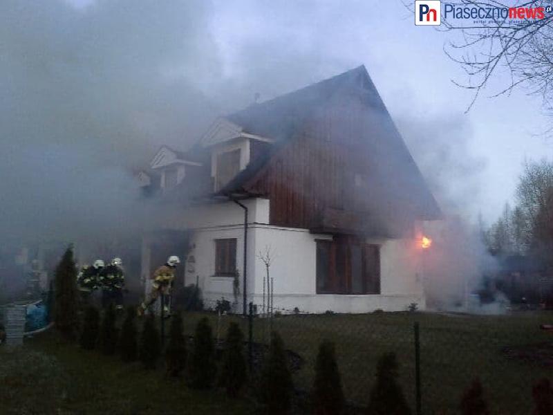 Dom stanął w płomieniach! Pożar w Osadzie Kędzierówce