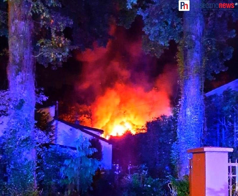 Pożar domu! 7 zastępów straży w akcji